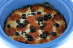 A Year of Slow Cooking: Slow Cooker Puffy Pizza Casserole Recipe