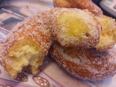 Comeme todo: ROSQUILLAS CON NARANJA Y CANELA Spanish Desserts, Spanish Dishes, Just Desserts, Delicious Desserts, Yummy Food, Beignets, Sweet Recipes, Cake Recipes, Donuts