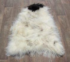 IJslandse schapenvacht langhaar  wit-zwart nr 1634