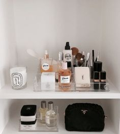 Beauty Care, Beauty Skin, Beauty Makeup, Beauty Hacks, Beauty Essentials, Beauty Vanity, Combination Skin Care Routine, Rangement Makeup, Xenia