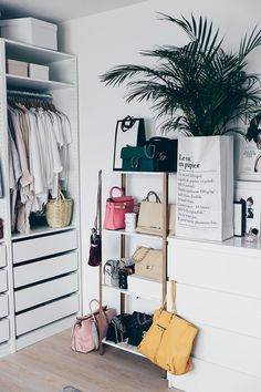 Nice 90+ Cheap and Creative Storage Hacks for Small Apartments https://decoremodel.com/90-cheap-creative-storage-hacks-small-apartments/
