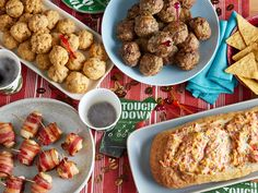 Superbowl Party Recipes/// Easy to Eat Game Day Appetizers : Food Network Game Day Appetizer Recipes Super Bowl Party, Super Bowl Menu, Healthy Dinner Recipes, Appetizer Recipes, Healthy Snacks, Healthy Eating, Dog Recipes, Cooking Recipes, Party Recipes