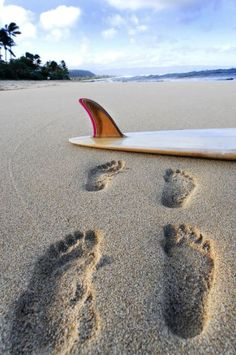 foot prints in the sand | re-pinned by http://facebook.com/southfloridah2o