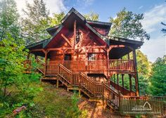 MAMajestic Manor is just as it sounds! Come take a look at what this Smoky Mountain retreat has to offer and treat your friends and family to a memorable vacation in this spacious log home.
