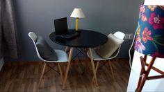 Mesa e cadeiras Eames Eiffel #eames Chair, Furniture, Home Decor, Eames Chairs, Home Furnishings, Decorating Ideas, Decoration Home, Room Decor, Stool