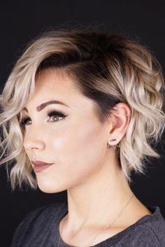 Bob Hairstyles 20 Ideas Of Short Shag Haircuts To Sport This Season Ondulado Shaggy Pixie Bob de cabelo Short Shag Haircuts, Short Layered Hairstyles, Short Ladies Hairstyles, Choppy Bob Hairstyles With Bangs, A Line Haircut Short, Natural Wavy Hairstyles, Uneven Bob Haircut, Pixie Bob Haircut, Inverted Bob Haircuts