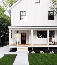 Cool 60 Modern Farmhouse Exterior Design Ideas https://rusticroom.co/1835/60-modern-farmhouse-exterior-design-ideas