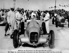 Mercedes-Benz racing car W 25 at the International Eifel race on the Nürburgring, 1934