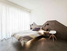 Modern Apartment Decor with Minimalistic and Natural Color Palette - InteriorZine
