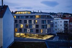 Located on a street with shops and eateries in the trendy Lend district, Lendhotel is a design hotel within a 15-minute walk of the Graz city centre and the train station. Contemporary rooms come with parquet floors, floor-to-ceiling windows, contemporary artwork and kingsize beds. There is a furnished rooftop terrace and a fitness centre with panoramic city views. The bright cafe is open 24/7 where guest can enjoy a variety of Smørrebrød and drinks.