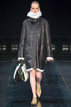 Helmut Lang Fall 2014-Winter 2015 | Mercedes Benz Fashion Week 2014 | Day 2 (Part 1)