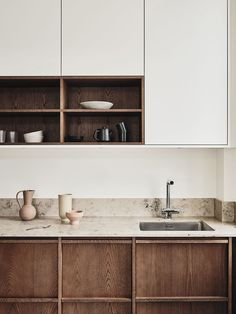 Home Interior Simple The oak kitchens by Noriska Kk.Home Interior Simple The oak kitchens by Noriska Kk Nordic Kitchen, Home Decor Kitchen, Home Kitchens, Wooden Kitchens, Kitchen Ideas, Kitchen Tips, Galley Kitchens, Eclectic Kitchen, Kitchen Cleaning