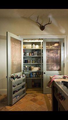 10 Tips on How to Build the Ultimate Farmhouse Kitchen Design Ideas Country kitchen decor Kitchen Pantry Design, Kitchen Storage, New Kitchen, Kitchen Decor, Pantry Storage, Kitchen Pantry Doors, Kitchen Pantries, Pantry Room, Kitchen Country