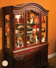 Raymour And Flanigan China Cabinet   Bar Cabinet