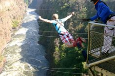 Victoria Falls Bungee jumping M. Thing 1, Romantic Honeymoon, Victoria Falls, Bungee Jumping, Next Holiday, Weird Pictures, Group Tours, World Of Sports, Holiday Destinations