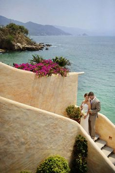 Puerto Vallarta Wedding by Michelle Turner Photography + The Dazzling Details | Style Me Pretty