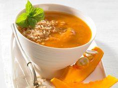Kokosmilch, Tomaten und Kürbis machen die Kürbissupe zu einer frischen und fruchtigen Vorspeise. Und mit Ihrem Thermomix ist das Rezept schnell und einfach zubereitet.