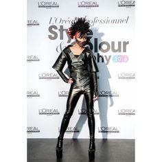 ✨✨✨非常帥的黑皇后✨✨✨  L'Oreal Professionals Style & colour trophy 2016 . Hair Styling by 尤卡-倪子恩 Fashion Design by Fish Kuang Model by 鄭澔