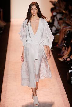 BCBG Max Azria Spring 2015 Ready-to-Wear Fashion Show - Zhenya Katava (WOMEN)