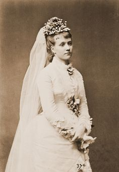 25 November 1873: Princess Maria Immacolata of Bourbon-Two Sicilies marries Prince Henry of Bourbon-Parma Count of Bardi.