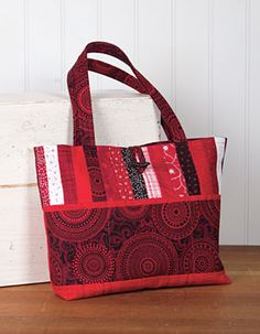 All About Anna Bag Pattern (a pattern to purchase - but love the inspiration this gives me! Handbag Patterns, Bag Patterns To Sew, Tote Pattern, Sewing Patterns, Quilted Tote Bags, Patchwork Bags, Fabric Purses, Fabric Bags, Fabric Basket