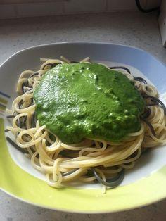 Spinat-Knoblauch-Spaghetti :-) by Julia Häußl :)