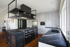 Black Kitchen counter - Click through to see whole gallery! Black Kitchens, Dream Kitchens, Kitchen Board, Contemporary, Modern, Kitchen Remodel, Innovation, Kitchen Cabinets, Renovated Kitchen