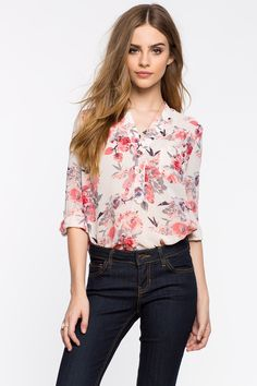 Цветочная блуза Размеры: S, M, L Цвет: кремовый Цена: 1217 руб.     #одежда #женщинам #блузы #коопт