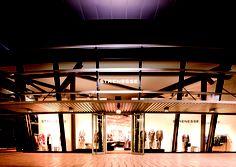 designer outlets Wolfsburg Architektur bei Nacht, Shop: Strenesse