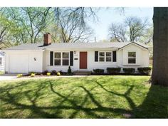 Today's North Overland Park Featured Sale! 7309 Robinson Street.  3 bedroom/2 Bath in Milburn Fields SOLD for $160000.   www.myoverlandparkhome.com