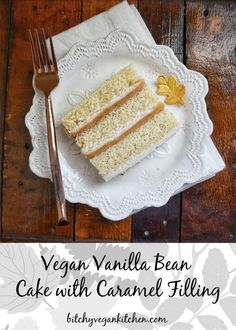 This cake is a magnificent three-layer vanilla bar cake that is filled with a creamy caramel filling and vanilla bean buttercream. The cake itself is so tender and fluffy. When combined with the salted caramel cream and sweet vanilla frosting. Oh yeah. Caramel Cake Filling, Cake Filling Recipes, Salted Caramel Cake, Vegan Caramel, Vegan Dessert Recipes, Baking Desserts, Yummy Recipes, Vegan Vanilla Cake, Vanilla Bean Cakes