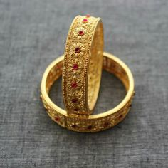 Perfect ring design.. Simple old world