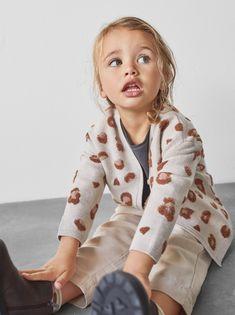 Lucy Fashion, Fashion Kids, Fashion Clothes, Knit Jacket, Knit Cardigan, Rosa Pullover, Corduroy Pinafore Dress, Leopard Print Jacket, Zara Kids