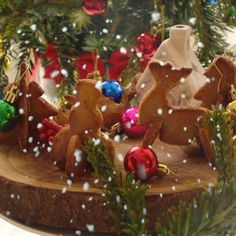 Low Carb Gingerbread Cookie Christmas Village perfect for Xmas Table Deco Keto Cookies, Gingerbread Cookies, Christmas Cookies, Gingerbread Houses, Diabetic Food List, Pre Diabetic, Cookie Videos, Xmas Tree Decorations, Paleo Dessert