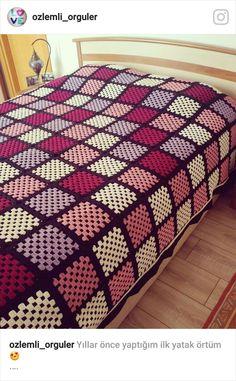 Transcendent Crochet a Solid Granny Square Ideas. Inconceivable Crochet a Solid Granny Square Ideas. Crochet Bedspread, Crochet Quilt, Crochet Squares, Crochet Blanket Patterns, Crochet Granny, Baby Blanket Crochet, Crochet Motif, Crochet Designs, Granny Square Blanket