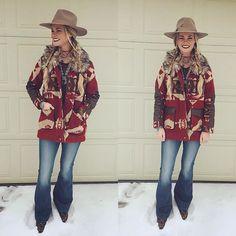 This lil darlin' has got a style we are in love with! @sjrostiharberd in her Kotah jacket from Savannah 7s 😍🙌💃🌵 #love #southwest #style #savannah7s #REPOST @sjrostiharberd ・・・ A few of my favorite things keeping me w
