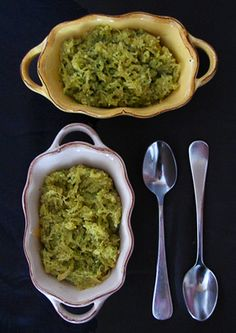 Low carb Spaghetti Squash with Arugula Walnut Pesto! Pesto's my favorite I can't wait to make it healthy! | bakers royale