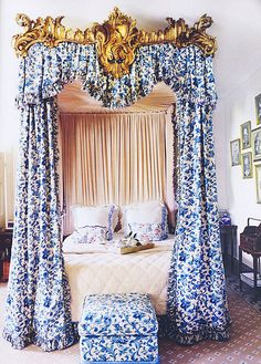 {décor inspiration | in the bedroom : blue & white and gilded} by {this is glamorous}, via Flickr