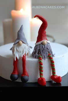 Christmas Cake Designs, Christmas Cake Topper, Christmas Cake Decorations, Fondant Decorations, Christmas Cakes, Holiday Cakes, Christmas Gnome, Christmas Treats, Cake Decorating Techniques