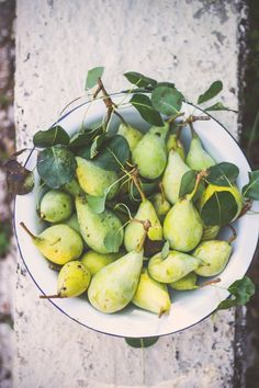 pears from the fruit market