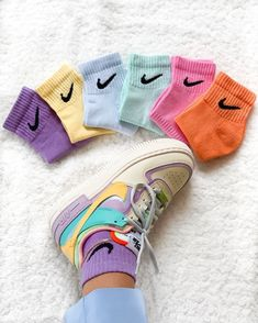 Dyed nike socks ☁️💕🍼🤘🏽 1 pair = 2 pairs = 3 pairs = Size M in stock ! Aesthetic Shoes, Aesthetic Clothes, Urban Aesthetic, Sneakers Mode, Sneakers Fashion, Nike Sneakers, Nike Outfits, Trendy Outfits, Sneaker Outfits