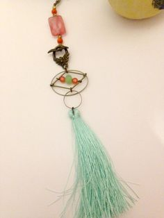 Sautoir+vert+mint,+orangé,+bronze+de+MelB+and+the+Bird+sur+DaWanda.com