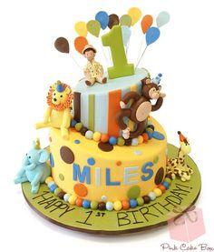 O tema Safari é um dos temas, quase, obrigatório na celebração de aniversário. É muito utilizado nos primeiros aniversários das crianças. É um tema muito v