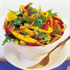 Thailändischer Mangosalat mit gerösteten Erdnüssen und 87.000 weitere Rezepte entdecken auf DasKochrezept.de