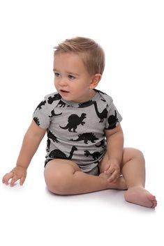 65e4da13d ModelinhoMacacão Infantil Masculino · Nosso macacão de dinossauro é  confeccionado com material e acabamento de altíssima qualidade