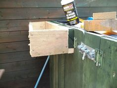 Picture of Installing a planter/window box.......... the easy way- french cleat