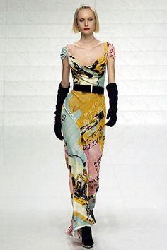 Sfilata Valentino Parigi - Collezioni Autunno Inverno 2006/2007 - Vogue