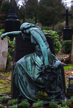 ☫ Angelic ☫ winged cemetery angels and zen statuary - Cemetery Monuments, Cemetery Statues, Cemetery Headstones, Old Cemeteries, Cemetery Art, Graveyards, Post Mortem, Cemetery Angels, Dark Art