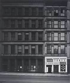 For Sale on - New York City, 1969 - Black and White Photography, Street Photography, Silver Gelatin Print by Elliott Erwitt. Offered by Huxley-Parlour. Photography Gallery, City Photography, Vintage Photography, Elliott Erwitt Photography, New York City, Photography Essentials, Black And White City, Documentary Photographers, Famous Photographers