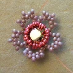 Beads By Becs - Mrs Picklefish Designs: Friday Flower Freebie!